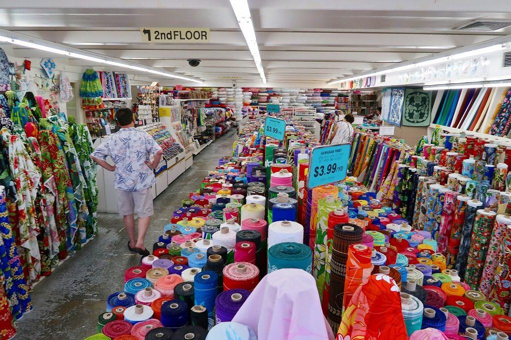 ファブリックマート店内1