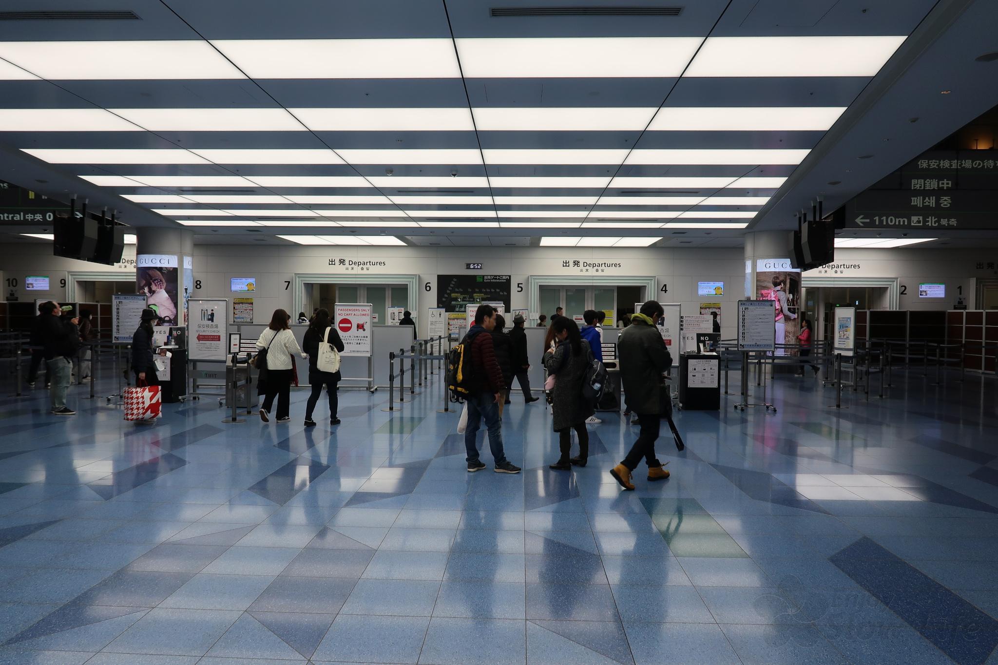 4羽田空港