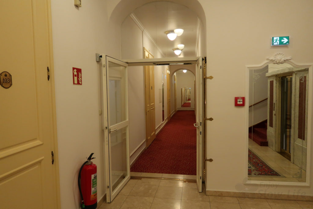 9エレベーターホール