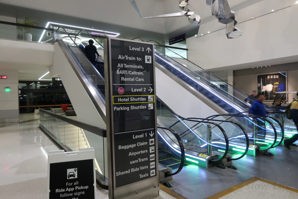 サンフランシスコ空港 ホテルシャトル1